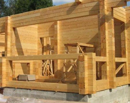 Строительство домов: клееный брус - основа долговечности