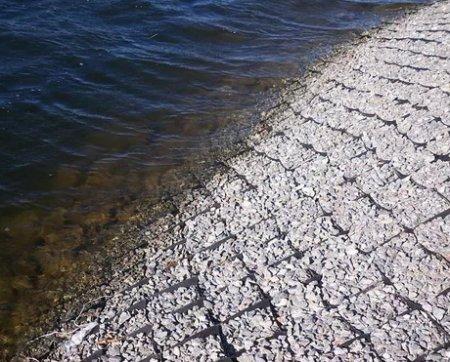 Укрепление склонов и берегов георешеткой