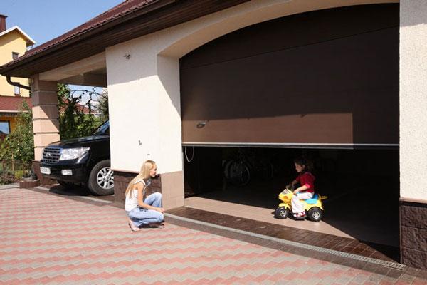 Как правильно выбрать гаражные секционные ворота