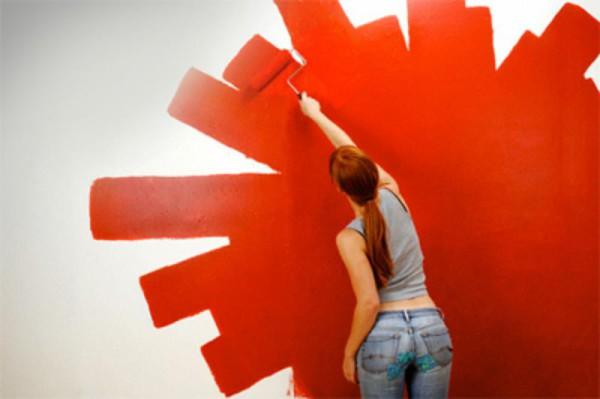 Как вывести пятна с окрашенных стен