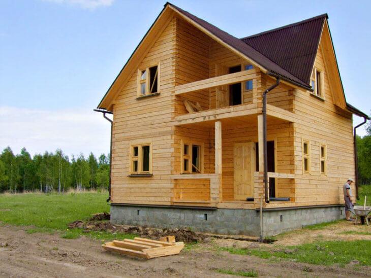 Дома из бруса: особенности отделки