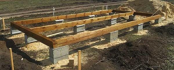 Как построить бытовку из дерева, на металлическом каркасе