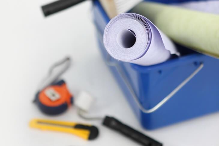Можно ли клеить обои на плиту ОСБ и как происходит подготовка поверхности