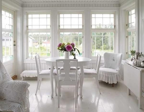 Как оформить веранду: стили, мебель, занавески, освещение