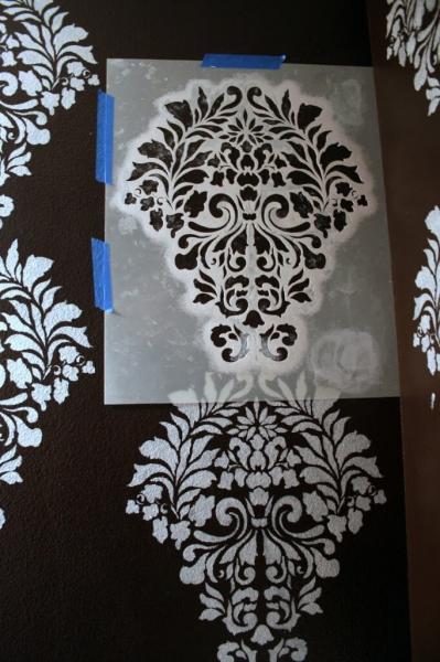 Как своими руками изготовить и использовать трафареты для стен под покраску?