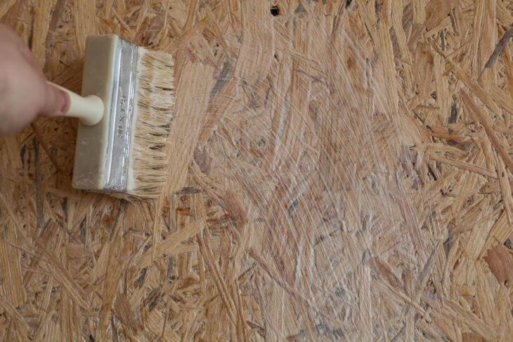 Рассматриваем, что такое алкидный грунт и какие смеси используют под покраску, плитку или ламинат